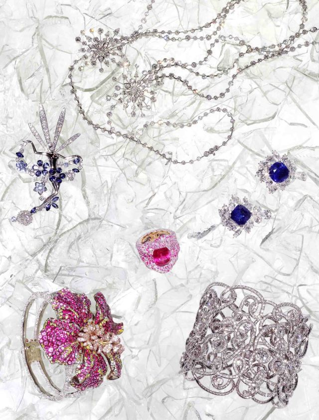 Liza Antique White Panel Bedroom Set: FINE JEWELLERY EDITORIAL With Faberge, Van Cleef & Arpels